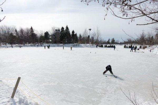 Lac du village l'hiver